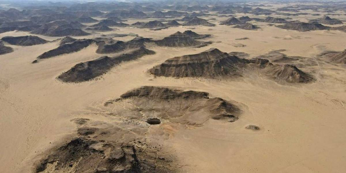 """El misterio del """"pozo del infierno"""", la maravilla natural que fascina a los geólogos"""