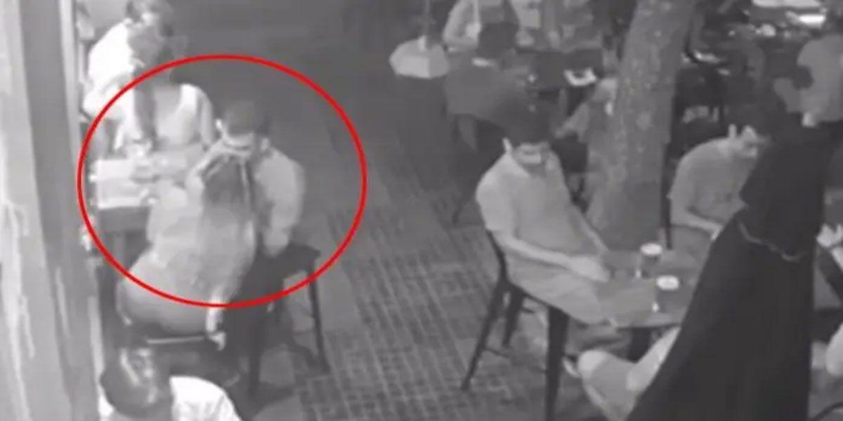 Video: estaban a los besos en un bar y unos ladrones les robaron la cartera
