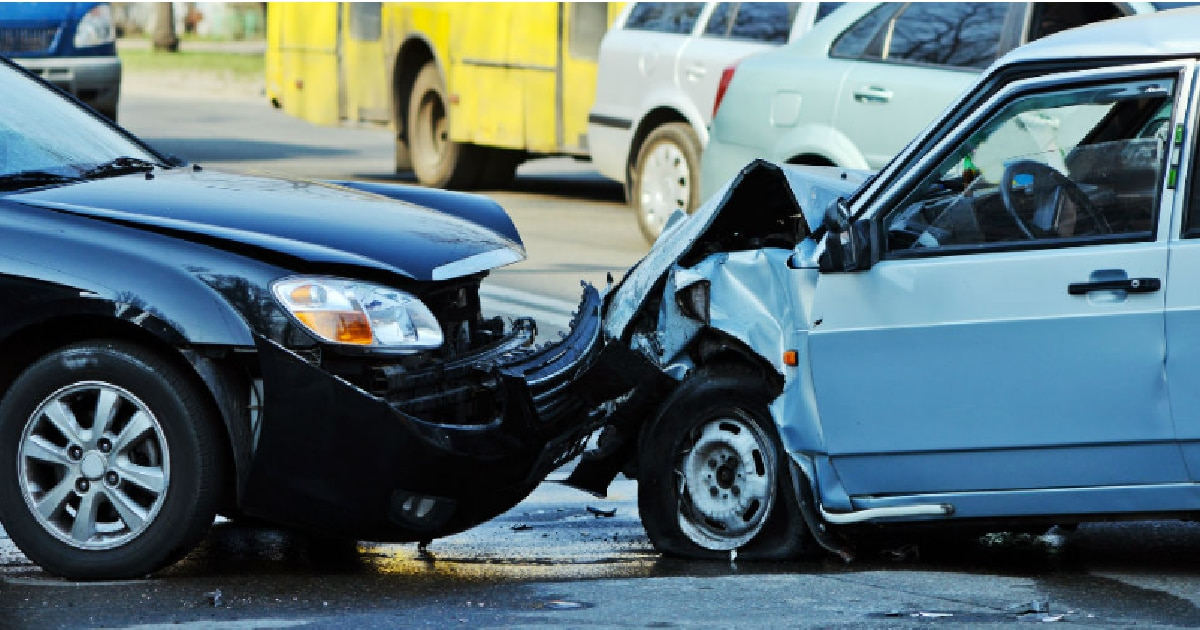 Qué hacer si te choca un auto que no tiene seguro contra terceros