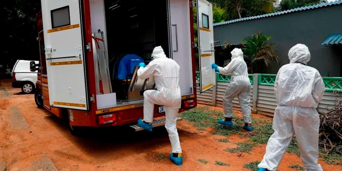"""Alerta mundial por un virus que hace vomitar sangre: """"La gente muere al llegar al hospital"""""""