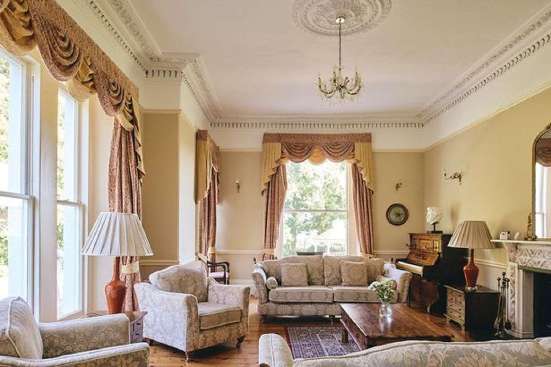 Esta mansión de Inglaterra cuenta con 8 habitaciones y 7 baños