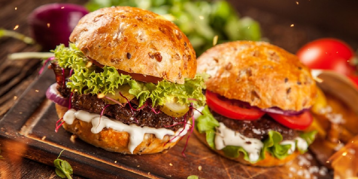 Día de la hamburguesa: cuántas calorías tiene si la preparás en tu casa